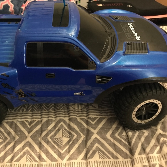 2 Traxxas Ford F 150 Raptor RC Trucks